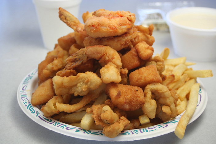 Brown's Lobster Pound – Lobster, Seafood restaurant – Seabrook NH & Hampton NH